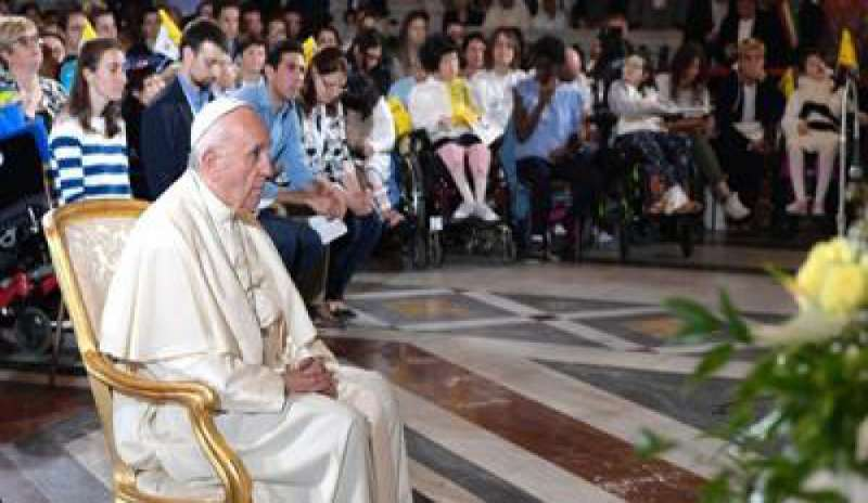Dialogo fra il Papa e i giovani