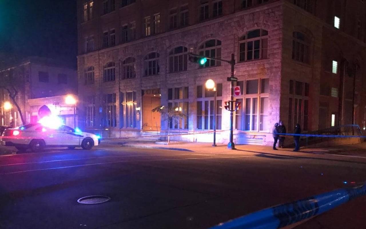 Uomo armato di spada uccide due persone in Quebec, polizia lo arresta