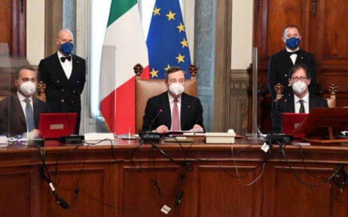 commento su discorso fiducia Draghi