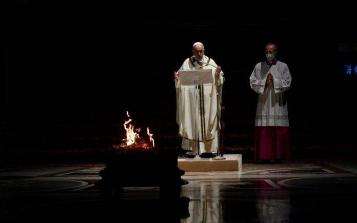 Papa Francesco veglia Pasqua