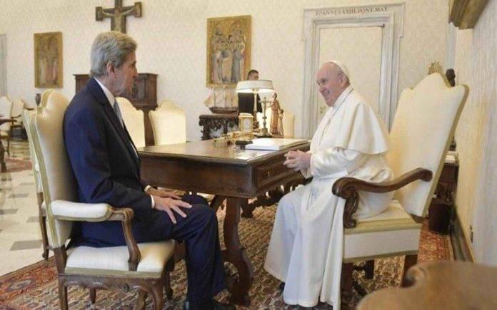 John Kerry Papa Francesco
