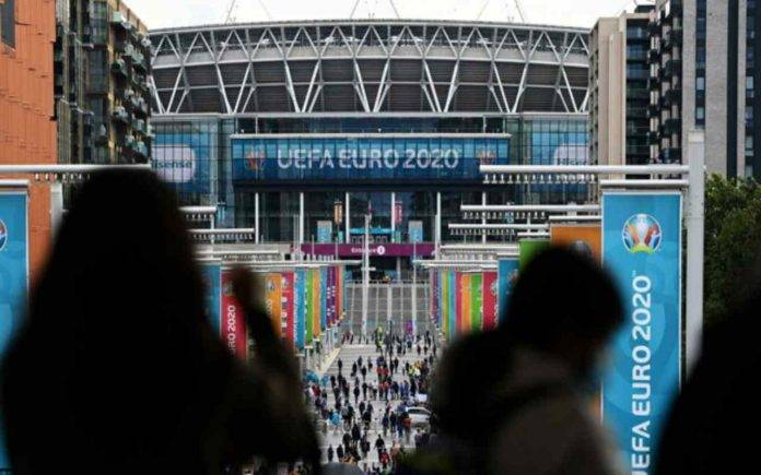 Wembley Londra folla